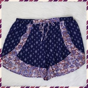 💕Just In 💕 Trendy Boho Festival Shorts, Size L
